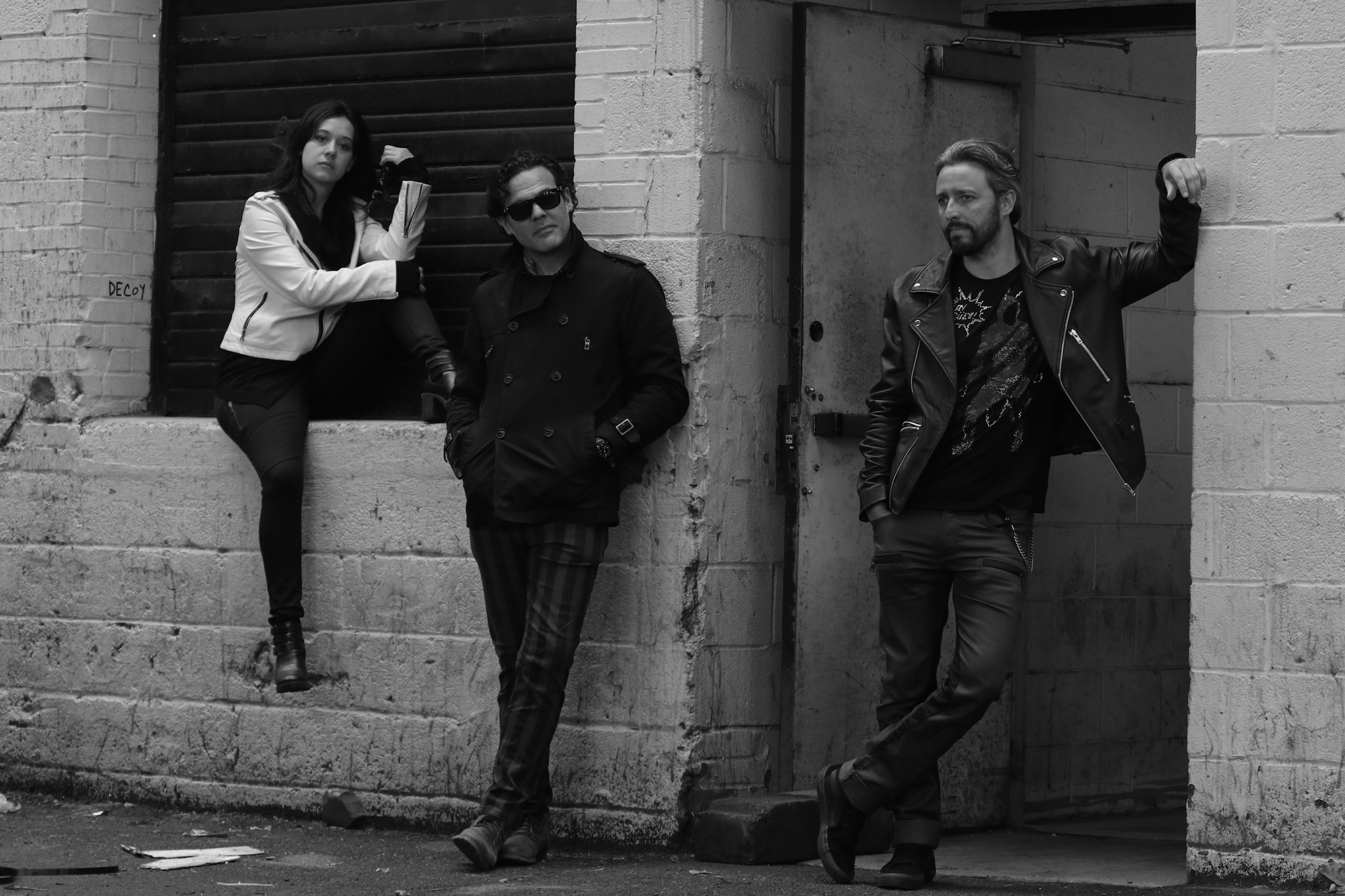 Perro Sombra: Not Your Average Rock Band